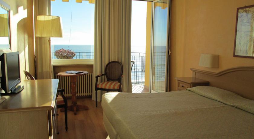 Hotel Palace Diano1