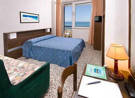 phoca_thumb_l_hotel-turistica-camera