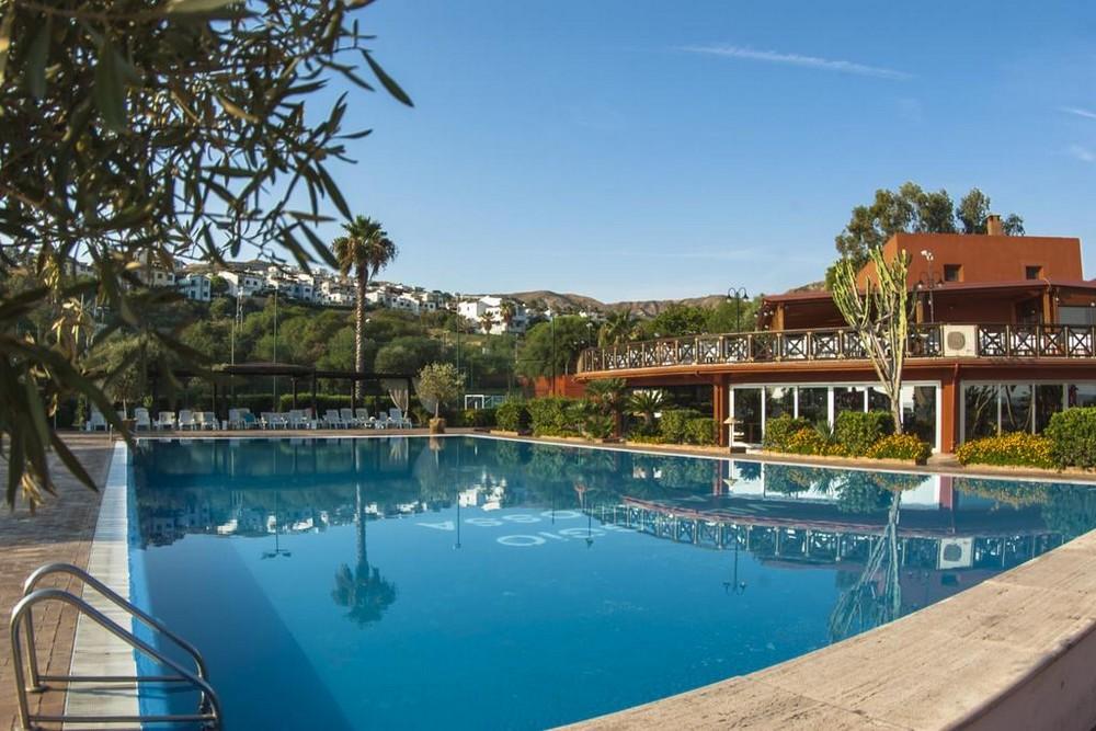 vl_gallery_563_6_villaggio_casarossa_piscina